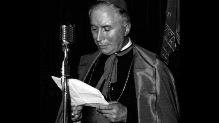 archbishop_lefebvre_receiving_doctorate_duchesne_university