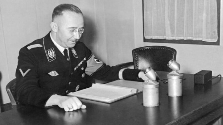 himmler-desk-afp